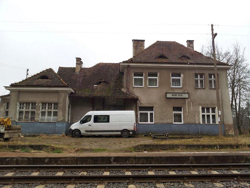 budynek-stacyjny-babi-dol