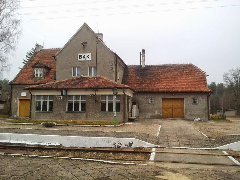 budynek-stacyjny-stacja-bak