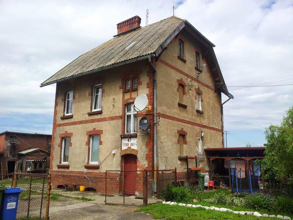 budynek-kolejowy-stacja-stara-jania